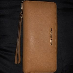 Michael Kors Large Wallet Wristlet